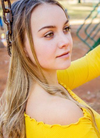 Charlize Barnard (5)